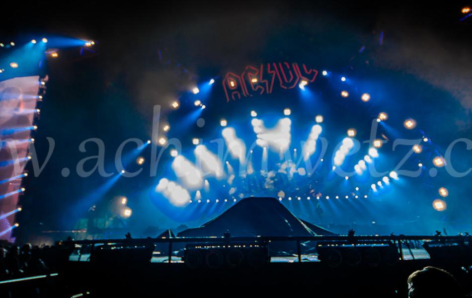 AC/DC Stage 8376